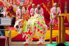 BANGKOK, 20 /THAILAND-januari: leeuw dans die zich tijdens parade in de Chinese Vieringen van het Nieuwjaar op 20 Januari, 2013 kl Stock Foto
