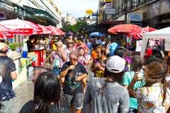BANGKOK - 2012 13 APRIL: Het Festival van Songkran Stock Foto's
