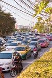 BANGKOK - 23 DEC: Dagelijkse opstopping in de middag op 23 Dec, Stock Foto