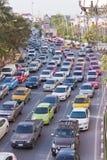 BANGKOK - 23 DEC: Dagelijkse opstopping in de middag op 23 Dec, Stock Afbeelding