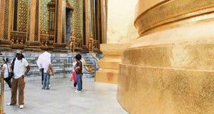 BANGKOK - 12 AGOSTO: Visita Wat Pho Temple dei turisti, il 12 agosto 2008 Immagini Stock Libere da Diritti