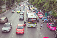 BANGKOK - APRIL 11 : Traffic approaching a dead end on a busy st Royalty Free Stock Images