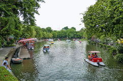 BANGKOK - AUGUST 2 2014, lake in dusit zoo,dusit zoo (is a city Stock Photos
