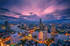 Bangkok - Augusti 27: sikt från det statliga thgolvet för torn 49 i t Arkivbild