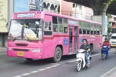 122 Bangkok Autobusstation - Huai Khwang Stockbilder