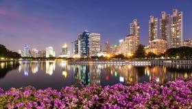 Bangkok bij schemering Stock Foto