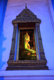 bangkok buddha guld- thailand skymning Arkivfoton