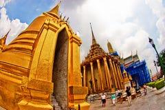 bangkok buddha smaragdtempel Arkivbilder