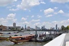 Bangkok-cityfrom Flussseite Lizenzfreie Stockbilder