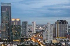 Bangkok cityscape i natt arkivbilder