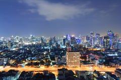 Bangkok cityscape på natten. Arkivbilder