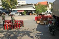 BANGKOK - 5 DÉCEMBRE : Démonstration rouge de protestation de chemises - Thaïlande Photos stock