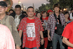 BANGKOK - 10 DE DICIEMBRE: Demostración roja de la protesta de las camisas - Tailandia Imagenes de archivo