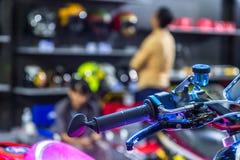 BANGKOK - 5 DE JULIO: Demostración modificada de la motocicleta en Bangkok Internati Imagen de archivo libre de regalías
