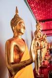 BANGKOK - 13 de junio Estatuas de Buda en el templo de Wat Pho en junio Foto de archivo