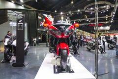 BANGKOK - 30 DE MARZO: Motocicleta de Honda en la exhibición en el 36.o salón del automóvil internacional de Bangkok el 30 de mar Imagen de archivo libre de regalías