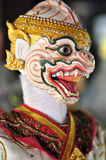 BANGKOK DEC 04: Tajlandzka kukła HANUMAN jest charakterem Tajlandzki litr Zdjęcia Stock