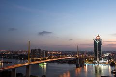 BANGKOK - Decmeber 30, 2017: Byggnad för Kasikorn bankhögkvarter Arkivfoto
