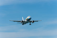 Bangkok dróg oddechowych płaski lądowanie przy Phuket lotniskiem Obraz Stock