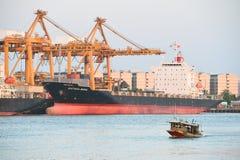 BANGKOK, février 26,2015 : Autorité portuaire de la Thaïlande Images stock