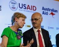 BANGKOK - 19 FÉVRIER 2014 : L'Ambassadeur Kristie Kenney des USA à MTV Images libres de droits