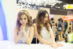 BANGKOK, GRUDZIEŃ - 10: Niezidentyfikowany model sceny przedstawienie Fotografia Stock