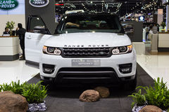 BANGKOK, GRUDZIEŃ - 1, 2015: Range Rover samochód na pokazie Fotografia Stock