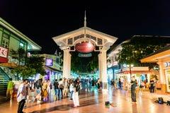 BANGKOK - 21 JANUARI 2018: ASIATIQUE riverfronten den mest populaen Arkivbilder