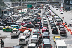 BANGKOK - January 12: Traffic jam on the road at Siamsquare on J. Anuary 12, 2017 in Bangkok, Thailand Royalty Free Stock Photos