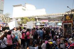 BANGKOK - 13 JANVIER 2014 : Protestataires contre le gouvernement ral Photos stock