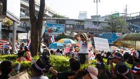 BANGKOK - 13 JANVIER 2014 : Protestataires contre le gouvernement ral Image libre de droits