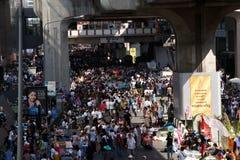 BANGKOK - 13 JANVIER 2014 : Protestataires contre le gouvernement ral Photographie stock libre de droits