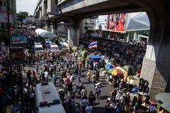 BANGKOK - 13 JANVIER 2014 : Protestataires contre le gouvernement ral Images libres de droits
