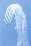 BANGKOK - 23. MÄRZ: Breitling Jet-Team unter der königlichen Himmel Breitling Team-und Rayal thailändischen Luftwaffen-Flugschau b Lizenzfreies Stockfoto