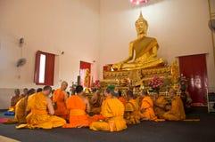 Bangkok-Mönche im Klassifikationszeremoniesegen Lizenzfreie Stockfotos