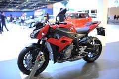 BANGKOK - MAART 24: DE MOTOR VAN BMW F 800 R Stock Afbeelding