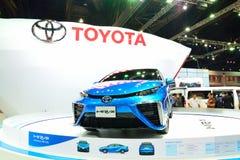 BANGKOK - 26 maart: Toyota Mirai, het Voertuig van de Waterstofmotor, op D Stock Afbeeldingen