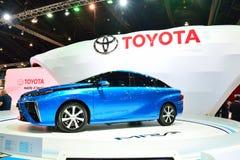 BANGKOK - 26 maart: Toyota Mirai, het Voertuig van de Waterstofmotor, op D Stock Fotografie