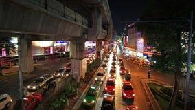 Trafikstockning på den Pathumwan föreningspunkten i Bangkok Royaltyfria Bilder