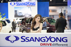 BANGKOK - MARCH 22: Unidentified models on display of SsangYong Royalty Free Stock Image