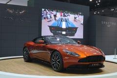 Bangkok - mars 31: Aston svalaspökbild 007 DB11 på den orange bilen på den 37th Bangkok internationella Thailand motoriska showen Royaltyfria Foton