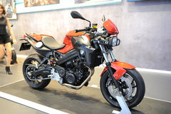 BANGKOK - MARS 24: BMW F moped för 800 R Arkivbild