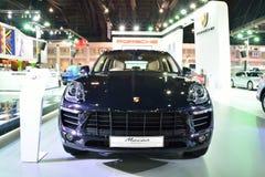 BANGKOK - Marzec 26: Nowy Porsche Macan, Krzyżuje samochód, dalej DisPl Obrazy Stock