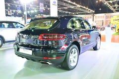 BANGKOK - Marzec 26: Nowy Porsche Macan, Krzyżuje samochód, dalej DisPl Fotografia Royalty Free