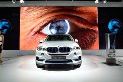 BANGKOK - 26 marzo: Concetto X5 eDrive, veicolo ibrido di BMW di SUV, Fotografie Stock
