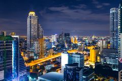 Bangkok metra nocy pejzaż miejski zdjęcia royalty free