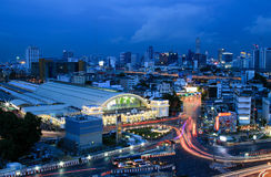 Bangkok miasta linii horyzontu Hua Lamphong staci Bangkok stacja kolejowa Tajlandia Zdjęcia Royalty Free