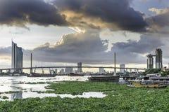 Bangkok miasto i Caho Phra Ya rzeka Fotografia Stock