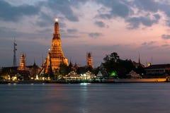 Bangkok miasto, Wat Arun przy mrocznym czasu punktem zwrotnym Bangkok, Th fotografia royalty free