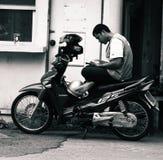 Bangkok motocyklu taksówkarz Zdjęcia Royalty Free